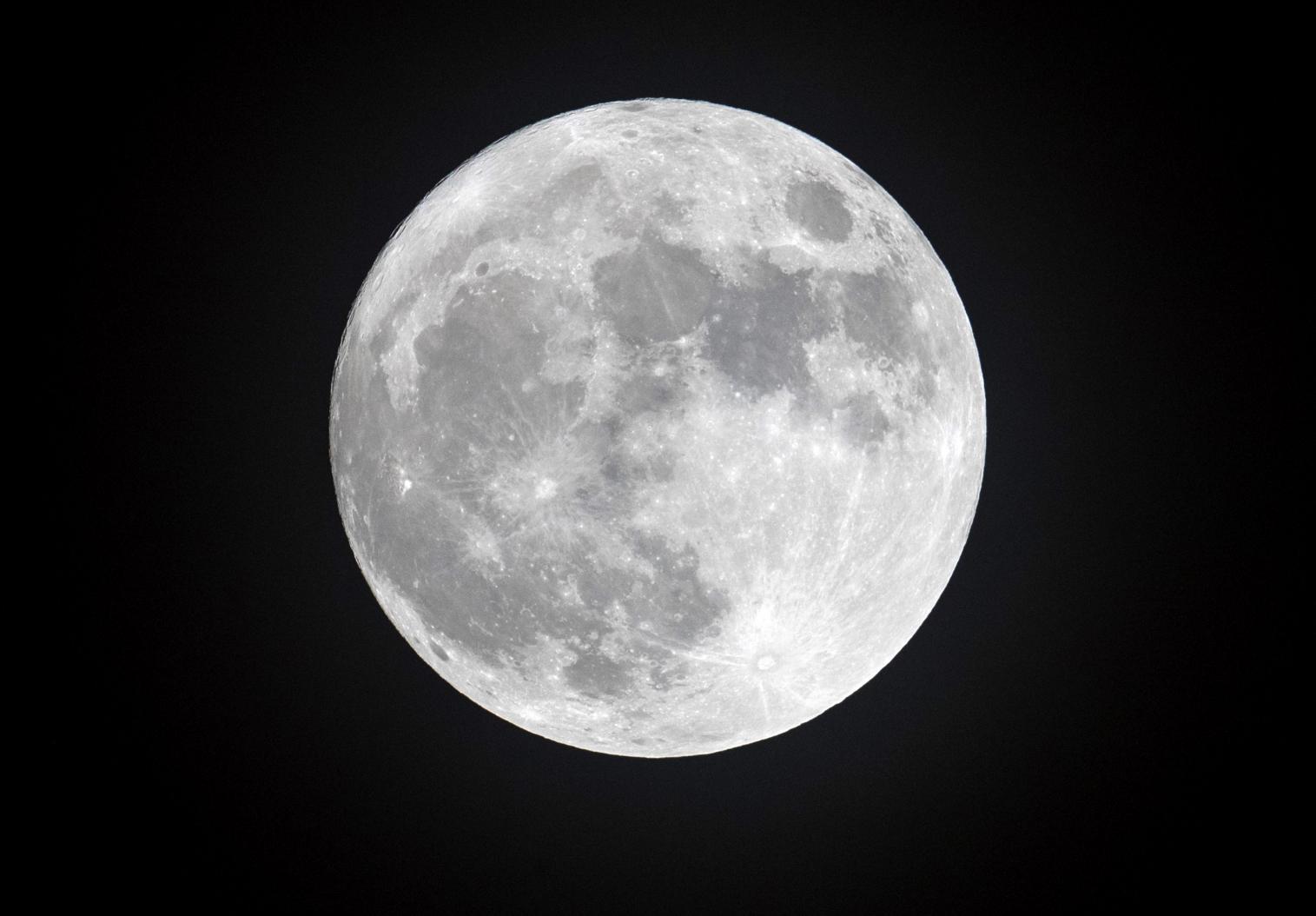 Name:  full-moon.jpg Views: 521 Size:  99.8 KB
