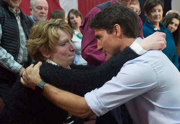 Name:  justin-trudeau-hugs-kathy-katula.jpg